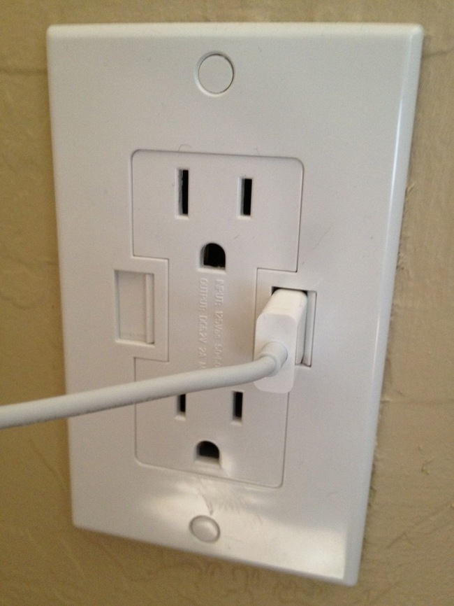 01-Wall outlets with USB chargers