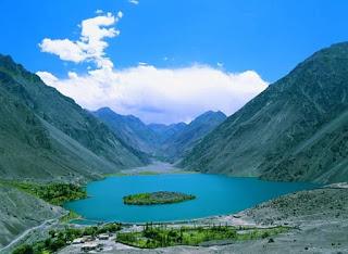 Satpara-Lake